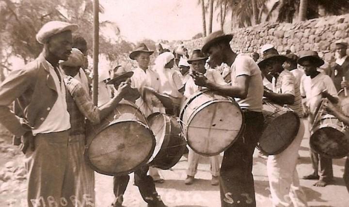 Formas Musicais em Cabo Verde - Santo Antão (1943) Festa de São João (foto Delfim Santos)